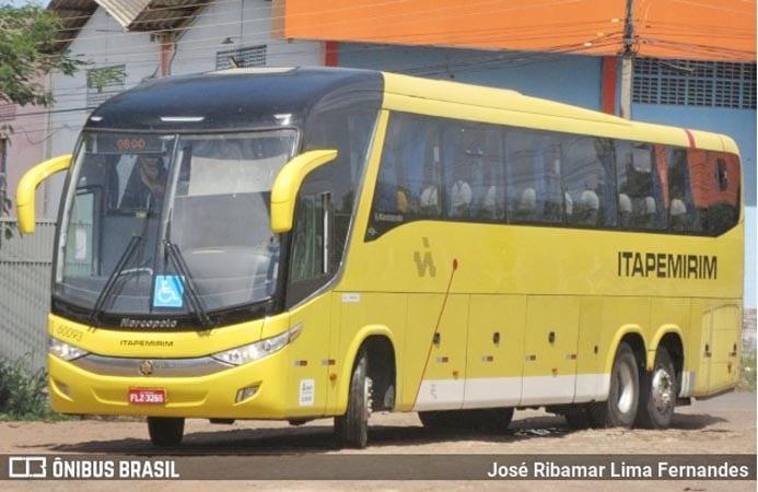 MG: Acidente entre ônibus da Viação Itapemirim e moto deixa dois feridos em Governador Valadares