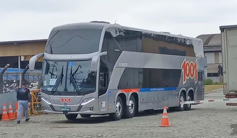 Vídeo: Busscar realiza testes com novos ônibus Vissta Buss 360 e DD da Auto Viação 1001