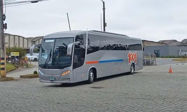 Vídeo: Busscar realiza testes com ônibus Vissta Buss 360 e DD da Auto Viação 1001 - revistadoonibus