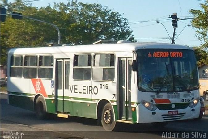Vídeo: Ônibus da Auto Viação Veleiro perde freio e atinge três veículos em Maceió