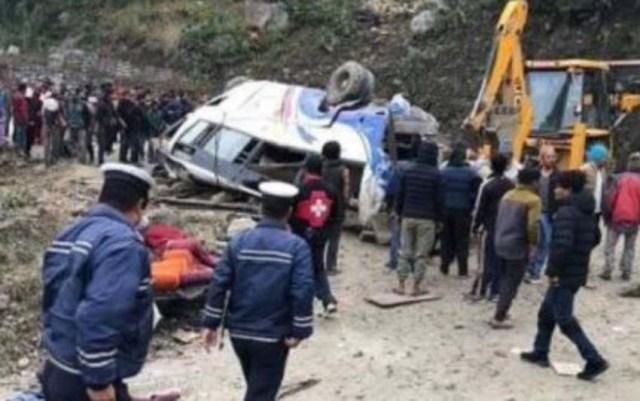 Nepal: Acidente com ônibus deixa mais de 30 mortos - revistadoonibus