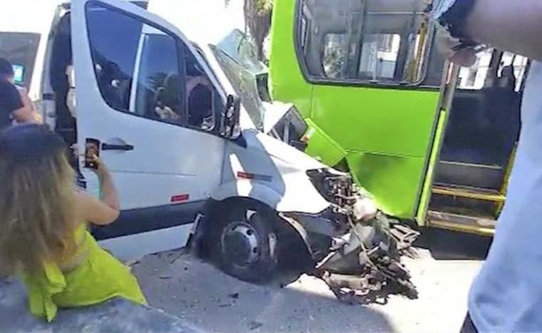 Rio: Acidente envolvendo uma van e um ônibus deixa três feridos em São Cristóvão - revistadoonibus