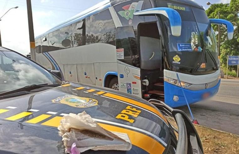 AL: Passageiro de ônibus é preso durante fiscalização da PRF na BR-101, em São Sebastião - revistadoonibus