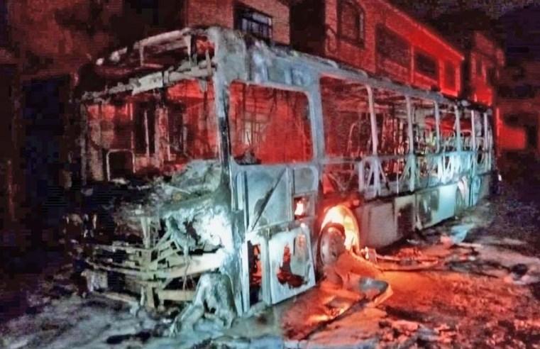 MG: Bandido incendeia ônibus da linha 432 em Juiz de Fora