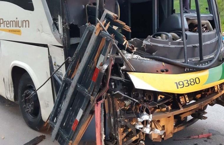 ES: Acidente com ônibus da Gontijo deixa 6 feridos na BR-262, em Conceição do Castelo