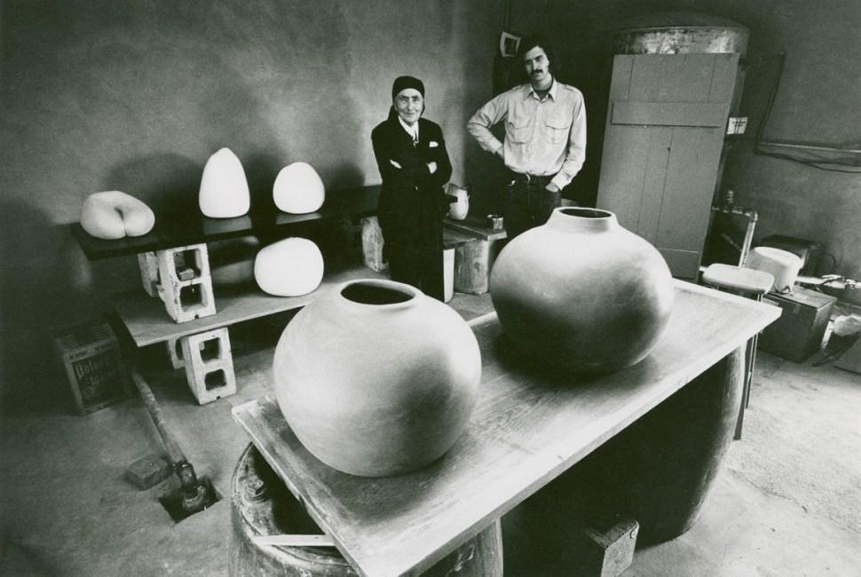 Georgia O'Keeffe y Juan Hamilton circa 1980