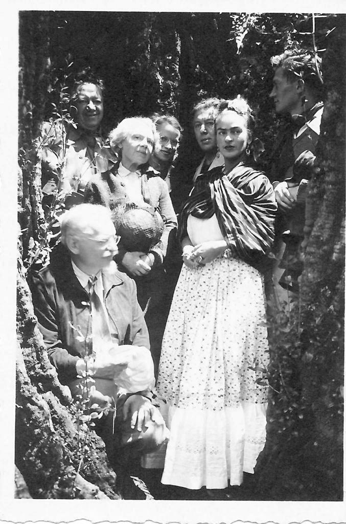 Jean Van Heijenoort, Leon Trotsky, Diego Rivera, Natalya Trotsky, Reba Hansen, Andre Breton, Frida Kahlo. Coyoacan. Mexico Foto Laure Van Heijenoort
