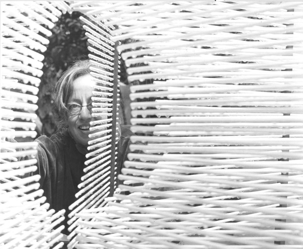 Gego con Esfera en Hexaedro. 1967. Foto Ladislao Racz
