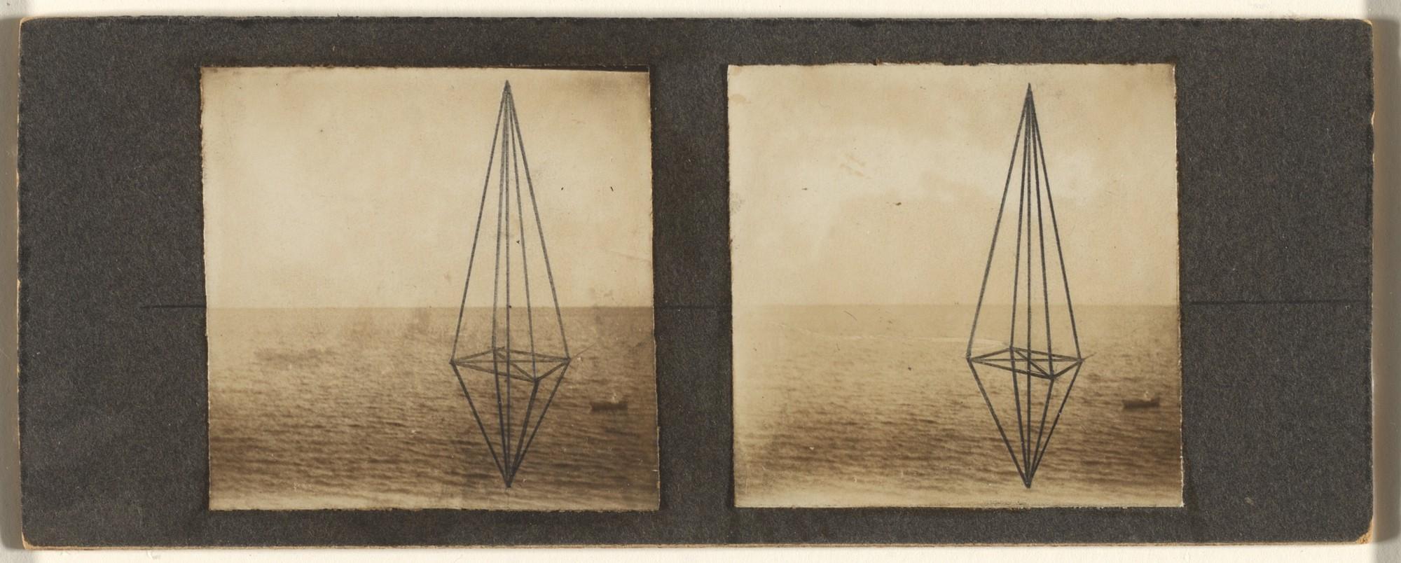 Marcel Duchamp. Stereoscopie a la main.