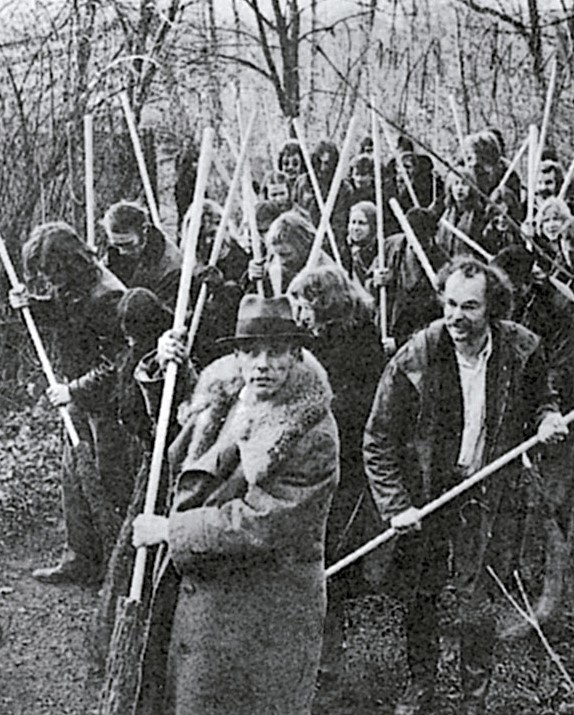 Joseph Beuys. Save the woods, 1972.