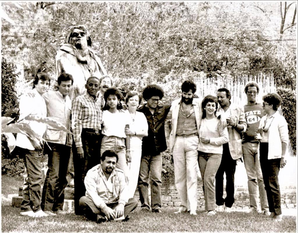 Entre otros están Carlos Giménez, Barbarito Diez, María Teresa Castillo, Pablo Milanés, Miguel Henrique Otero, Rubén Rega, María Helena Ascanio y José Pulido.
