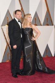 Leonardo DiCaprio vestido por Armani y Kate Winslet de Ralph Lauren