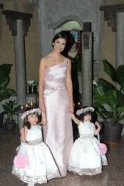 Isabel Elena Octavio con sus hijas Isabella Elena y Daniela Elena