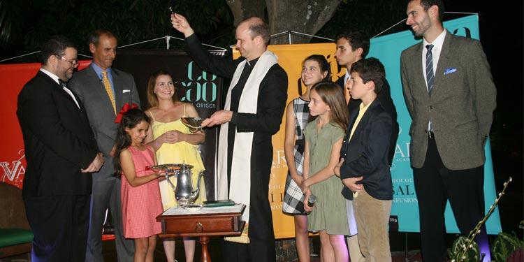 Varinás El reverendo Josef Hare presente en el evento