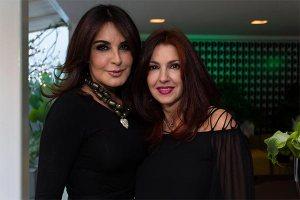 La cantante Kiara y Camila Salinas