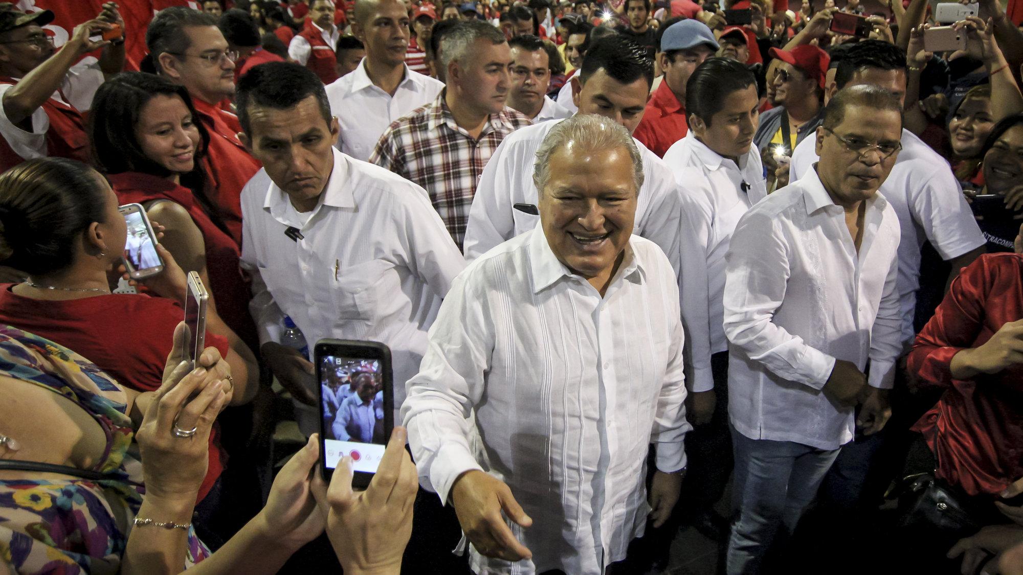 Fiscalía: presidente Sánchez Cerén ayudó en el desvío de $14 millones durante gobierno Funes