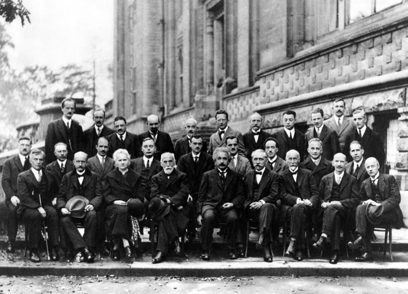 Cientistas na Conferencia Solvay 1927