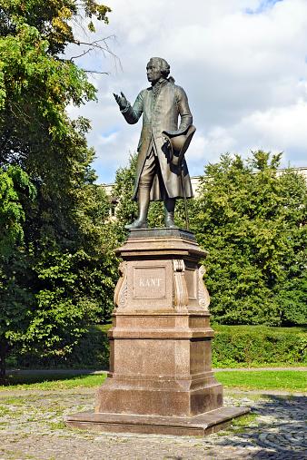 Monumento a Emmanuel Kant. Kaliningrad (Koenigsberg antes de 1946)
