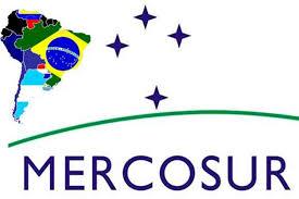 """Bolsonaro """"ningunea"""" al Mercosur y viaja primero a Chile: por qué Macri no teme al nuevo Brasil."""