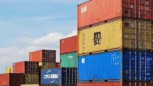 El peso de la carga tributaria en el comercio exterior.