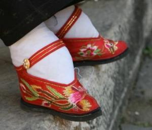 foot-in-shoe