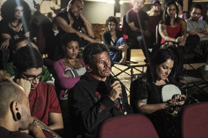 Cinema-Anarquista-na-Atualidade-com-integrantes-do-coletivo-organizador-do-Festival02ELAINECAMPOS