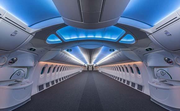 Parte interna do avião é toda remodelada para se tornar uma 'casa'