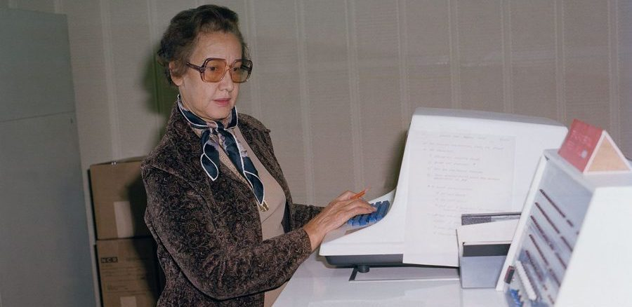 Katherine_Johnson_at_NASA_Langley_Research_Center_in_1980