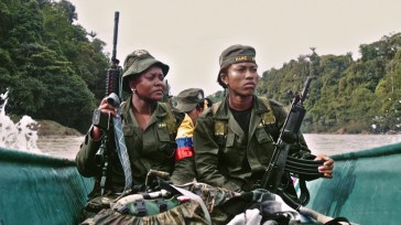 """""""Colombia in My Arms - Mulheres das FARC"""". Crédito: Jussi Rastas."""