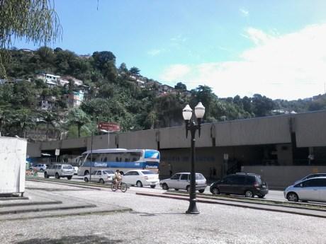 Rodoviária de Santos-Vista da Praça dos Andradas em 2014. Crédito: Waa.