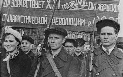 Revolución de Octubre: ¡Todo el poder para los soviets!