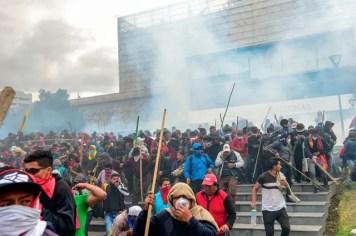 PUEBLO-ECUATORIANO-RESISTE-VIOLENCIA-PAQUETAZO-FMI