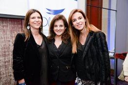 Ana Castillo, Silvia Chebi y Daniela Alonzo.