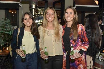 Elisa Linardi, Victoria Lenoble y Martina Arocena.