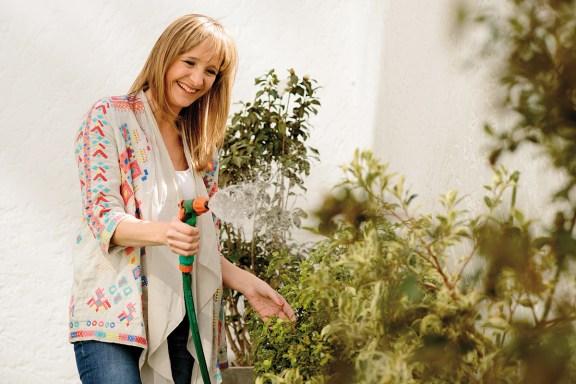 """""""Adoro las plantas y cuando a los 25 años me mudé sola tuve mi primer jazmín. Ahora tengo ficus banco, camelias y algunas más"""""""
