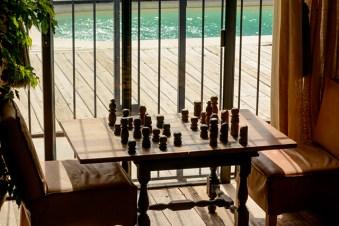 """""""Este juego de ajedrez era de Pablo Beyhaut, que además de ser librero, talla. No se quería desprender de él hasta que volví al año siguiente, lo convencí y me lo vendió"""""""