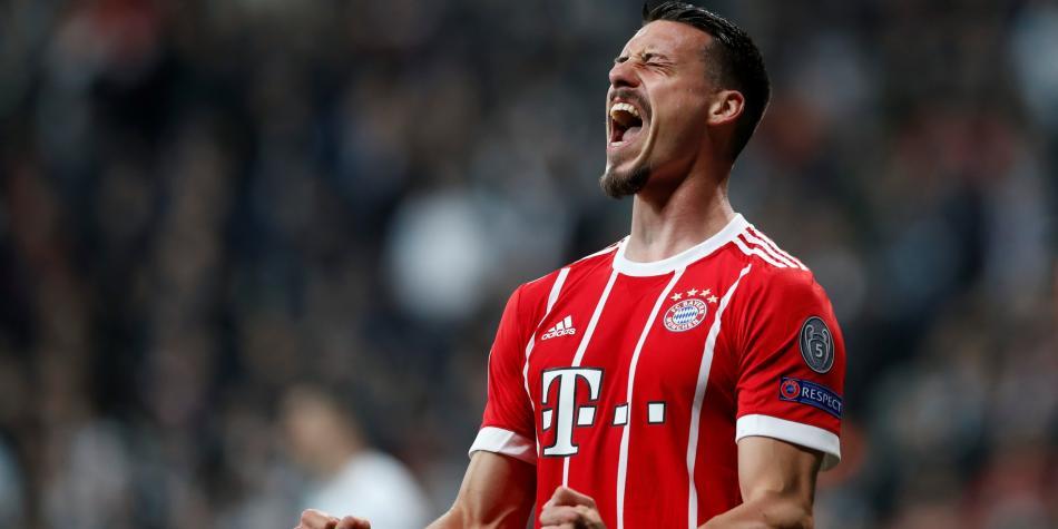 Un paseo por Turquía: Bayern venció 1-3 a Besiktas, con James de regreso
