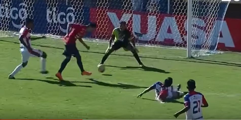 Suspenden partido en Bolivia tras 5 lesionados de equipo que caía 7-0