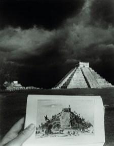 El castillo. Chichén Itzá. 1985. Proyecto Catherwood. 1985-1993/2001. 25 fotografías, dimensiones variables.