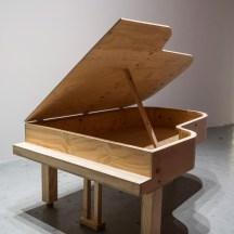 Jorge Macchi, Trap (2018). Madera, 61 x 214 x 158 cm. Cortesía GALLERIA CONTINUA, San Gimignano / Beijing / Les Moulins / Habana. Foto: Ela Bialkowska, OKNO Studio
