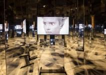 Pablo Bronstein. Carousel. Vista de instalación en OGR Turín. Foto: Andrea Rossetti. Cortesía de OGR Torino