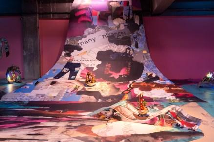 Mehraneh Atashi, Flotsam, Jetsam, Lagan and Dereclict, 2019 Architecte: Lida Badafreh. Courtesy de l'artiste et Lida Badafreh Flotsam, Jetsam, Lagan, and Derelict a été à l'origine commandé par Grazer Kunstverein avec le soutien du Mondriaan Fund en 2018. Vista de la exposición «Prince-sse-s des villes», Palais de Tokyo (21.06 – 08.09.2019). Foto: Marc Domage