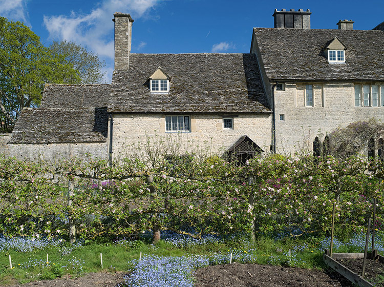 Locaciones de Downton Abbey que puedes visitar: Cogges Manor Farm