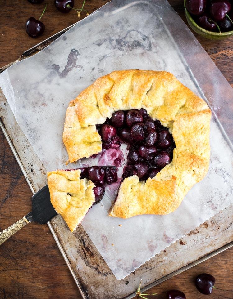 Tarta o galette de cerezas
