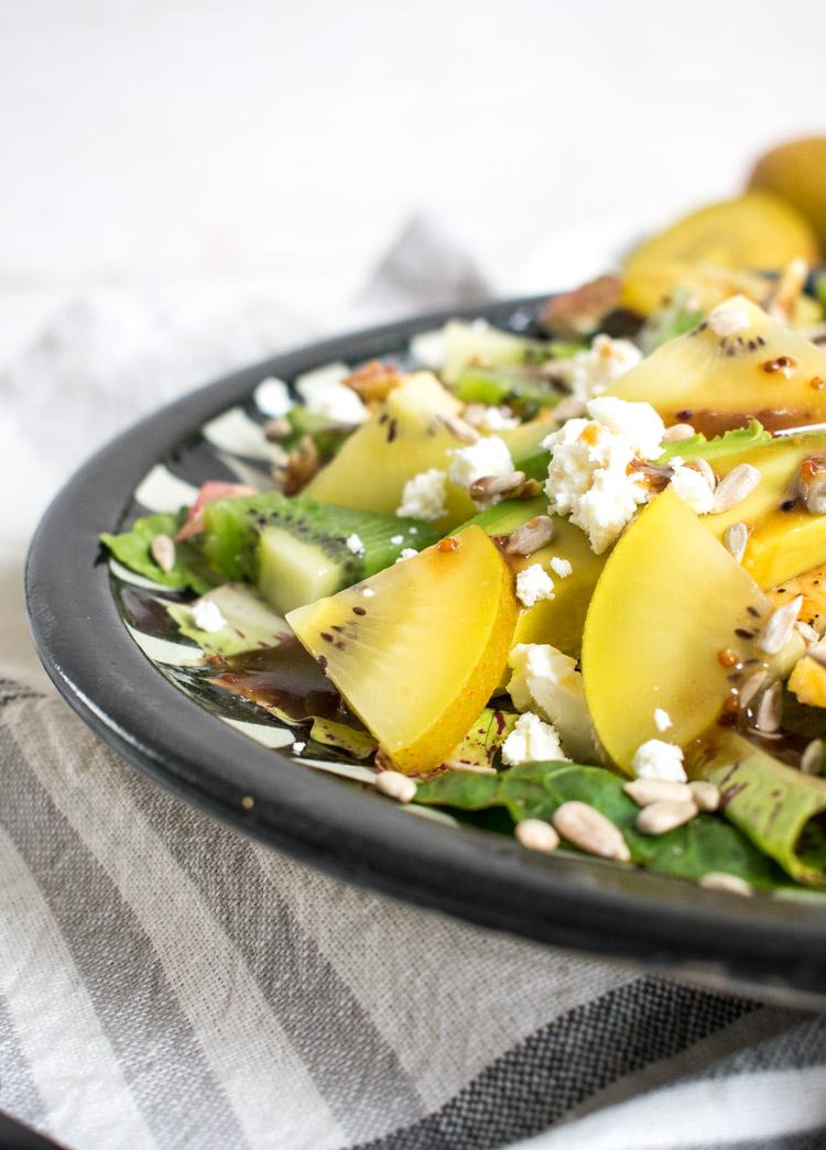 receta de ensalada de kiwi y pollo asado