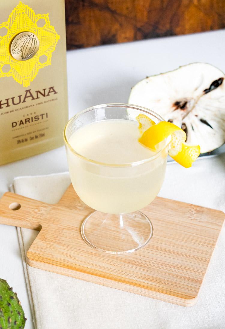 Martini de guanábana con Huana, licor mexicano