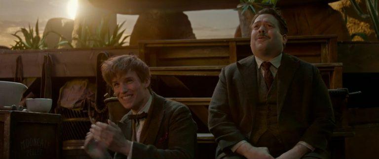 Newt (Eddie Redmayne) e Jacob (Dan Fogler)