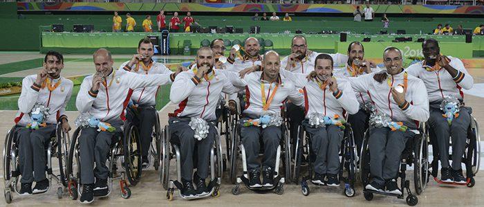 Medalla de plata en el Baloncesto en silla de ruedas contra estados unidos derrota 52-68