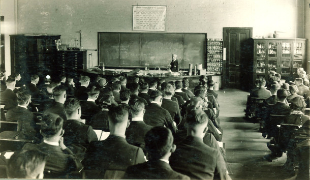Students in a chemistry lecture, The University of Iowa, 1930s. https://flic.kr/p/dg7r7v