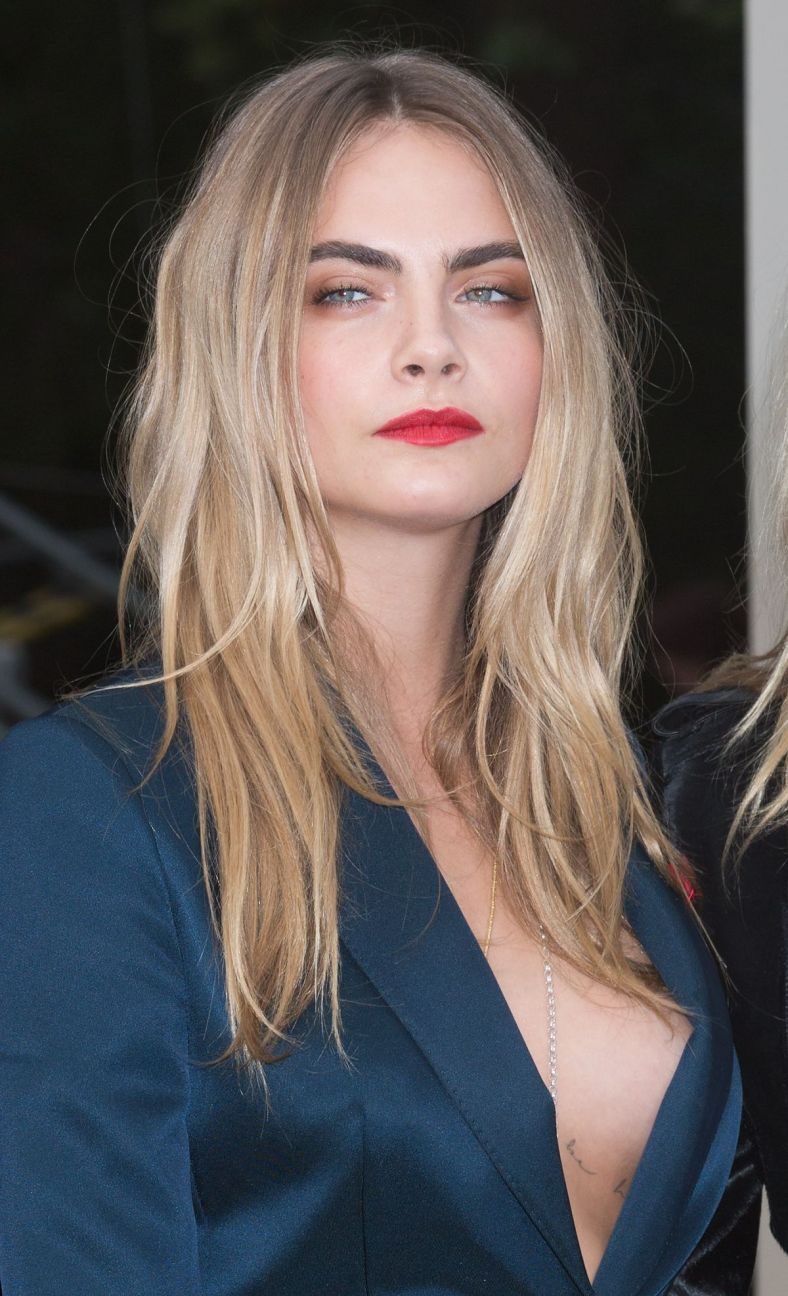 cara-delevingne-at-burberry-prorsum-fashion-show-in-london_1